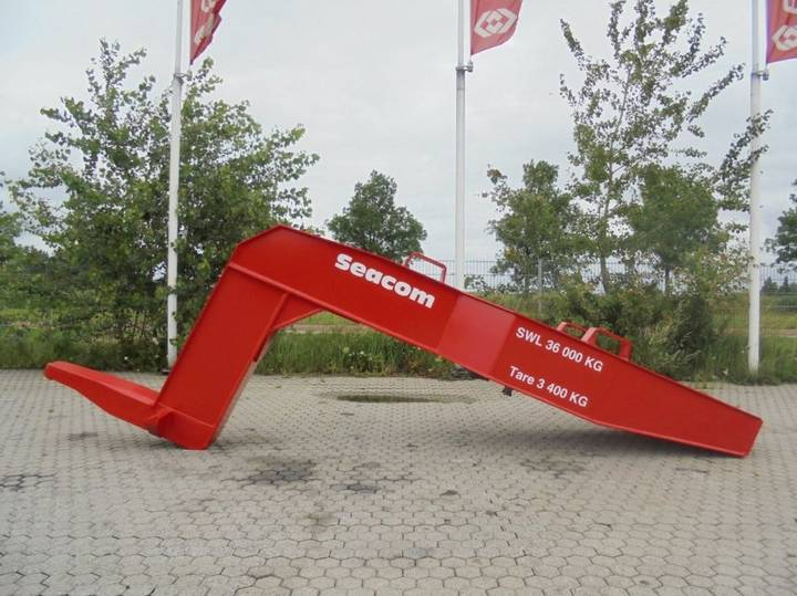Seacom goosneck sh36xt crane arm for material handling equipment
