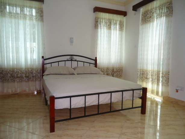 Beautifully furnished three bedroom apartment for shortlets Nyali - image 2