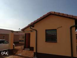 Big house with 3 bedroom, toilet with bath, kitchen and dinning room