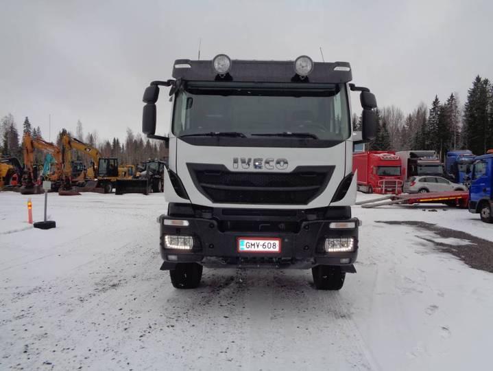Iveco Trakker 410 T 10x4 - 2018 - image 3