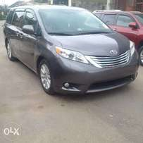 Tokunbo 2011 Toyota Sienna Limited
