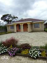 Very spacious four bedrooms in a gated estate