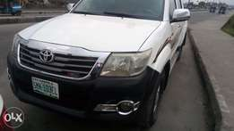 2010 Extreemely sound neat fuel Hilux with factory chilling AC