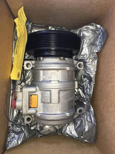 John Deere Tractor and combine parts - image 3