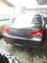 Toyota Avalon ( Full option)
