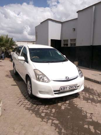 Toyota wish on sale. Super cool and neat car. Totally accident free Donholm - image 1