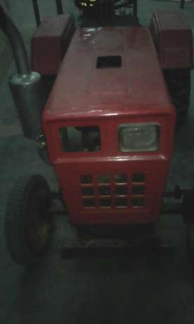 Tractor Selling for a Bargain Price Donholm - image 1