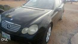 Clean Mercedes benz c230 working fine