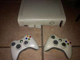 Xbox 360 + Controls and Games