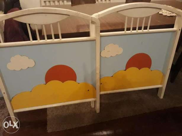 Kids bed with drawers