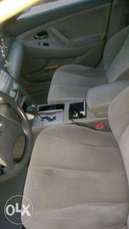 2007 Toyota Camry Le Lagos - image 5
