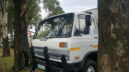 Nissan diesel CM12 cattle body on special