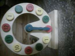 Wooden toy learning clock