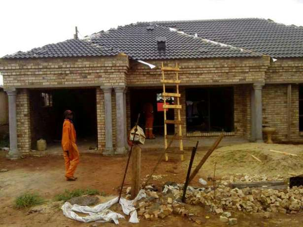 All your carpentry work, Roofs ceilings. Doors. Floors . Etc Potchefstroom - image 3