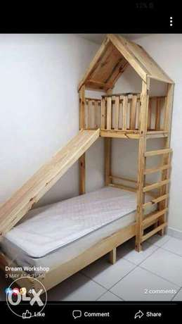 Baby wood bed with tower rustic تخت أطفال مع برج