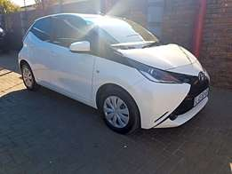 Toyota Aygo 1.0 X- PLAY 5-Door