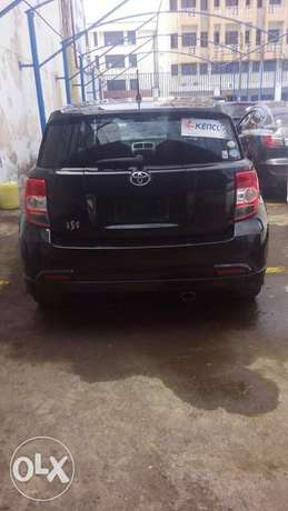 Toyota its black metallic colour fully loaded Mombasa Island - image 3
