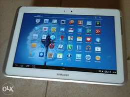 10.1 inches samsung note. 2gb RAM, 16gb memory, 5mpxl camera with flas