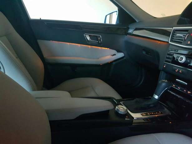 Mercedes Benz E250 with ivory interior Nyali - image 8