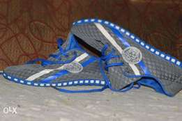 O K used versache shoe size:43 for 11k