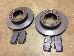 Toyota Hilux skimmed discs + new break pads