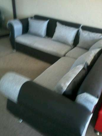 Brand new corner lounge suite right at the factory R3500 Strand - image 4