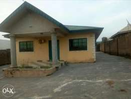 To let : 3bedroom Self compound
