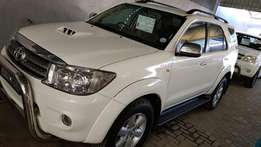 **2010 Toyota Fortuner 3.0 D4D MAnual 4x2** Clean/FSH**Quick sale*