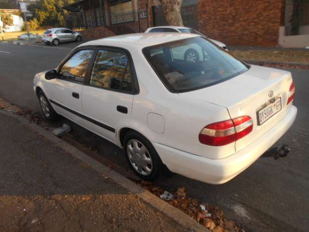 2001 White Toyota Corolla Crystal Lite 1.6 for sale Johannesburg - image 3