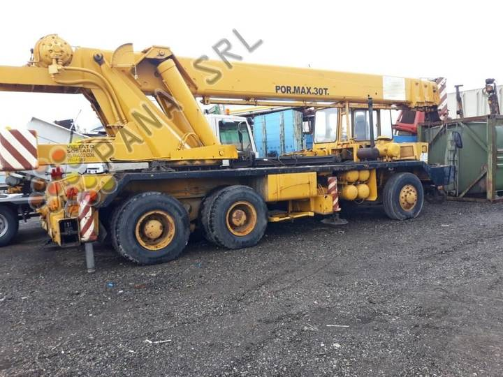 CORRADINI 830 TI - 30 Ton mobile crane - 1978