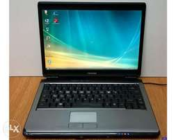 toshiba p series laptop 2gb 160 dvd wifi webcam windows OS