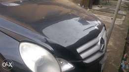 Neatly used 4matic Benz R350 08