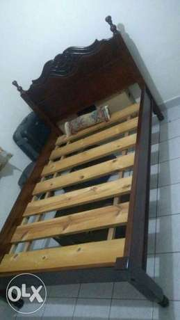 QUICK SALE-Regal 4*6 Hardwood Bed and mattress for sale Ngara - image 1