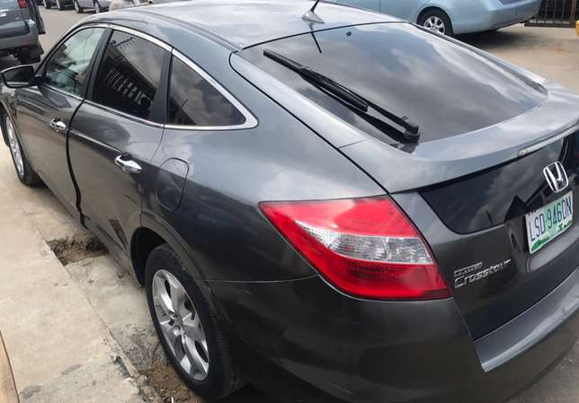 Very Neat Honda Accord Crosstour Surulere - image 6