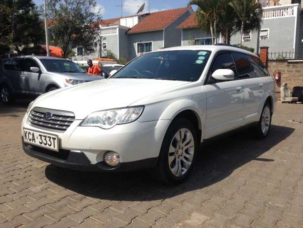 Very clean just buy and drive Subaru Outback on quick sell Nairobi CBD - image 3