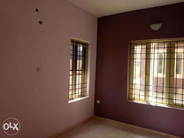 A Newly Built, Lovely and Spacious 2 Bedroom Flat Jibowu Yaba Yaba - image 6