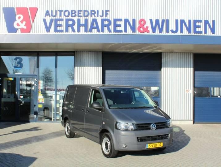Volkswagen Transporter 2.0 TDI L1H1 AIRCO CRUISE-CONTROLE - 2010