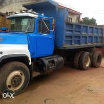 Blue and white R model Tipper