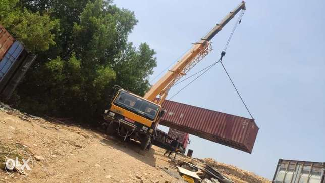 25 ton to 220 ton cranes are available for rent