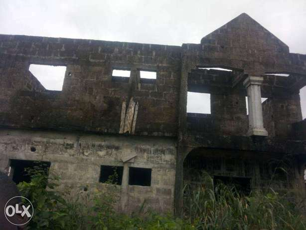 6 Flats of Semi Develped Property Behind the OAKS Hotel, Ughelli North - image 4