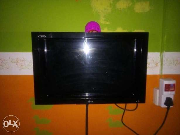 24inches LG Dynamic edge LED flat screen Ijebu Ode - image 2