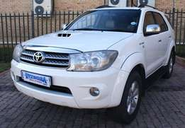 2011 TOYOTA FORTUNER 3.0D-4D 4x4 a/t