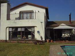 Big 4 bed room house for rent