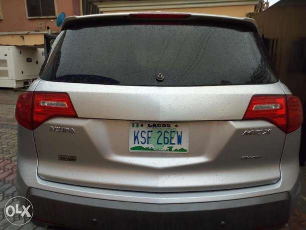 Extremely clean Acura MDX 2008 2month used Surulere - image 3