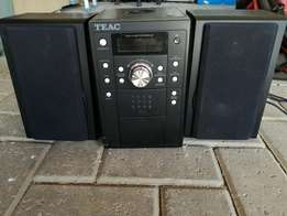 Teac radio, cd, mp3 ipod player and speakers
