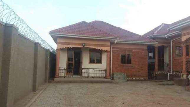 A two bedroom house for rent in Bweyogerere Kampala - image 1