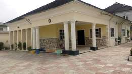 Urgent sale!!! 4bedroom bungalow on 1&half plot of land At New Rd