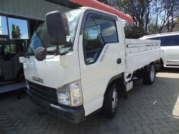 A very clean Isuzu ELF on sale Hurlingham - image 5