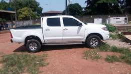 Used 2010 Toyota hilux 4WD neat.