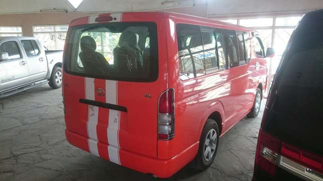 Hiace Diesel manual with seats Mombasa Island - image 2
